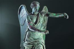 The restored bronze statue Vittoria Alata returns to Brescia